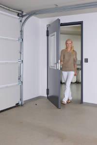 Tür zur Garage